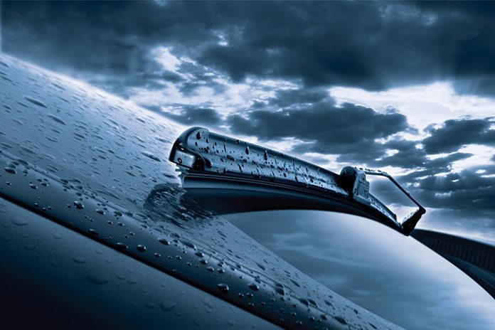 Wycieraczki w samochodzie- kiedy należy je wymienić?
